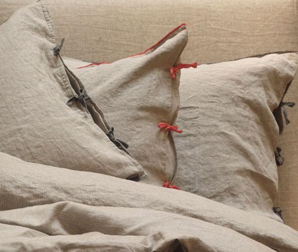 Linge de lit en chanvre de chez Caravane