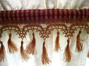 Bandeau vichy sur le rideau