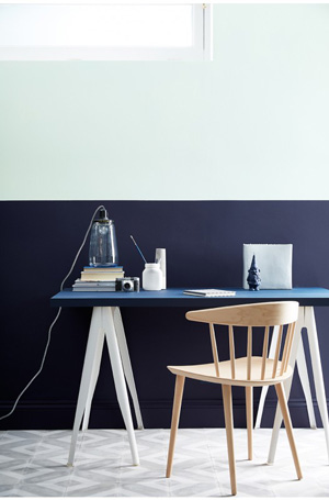 dock-blue-table-wall