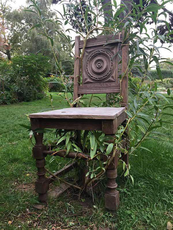 jardin-square-du-serment-de-koufra-chaise-osier