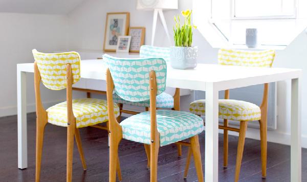mademoiselle-dimanche-habille-des-chaises-vintages-stella-du-tissu-mouvant-decline-en-deux-coloris-les-assises-ont-ete-restaurees-et-rhabillees-par-samuel-giraud