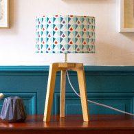 Des lignes épurées et légères, c'est l'esprit graphique de Mathilde Alexandre. Créatrice de Mademoiselle Dimanche, la marque lyonnaise signe des collections résolument élégantes au design exclusif. Des lampes et des […]