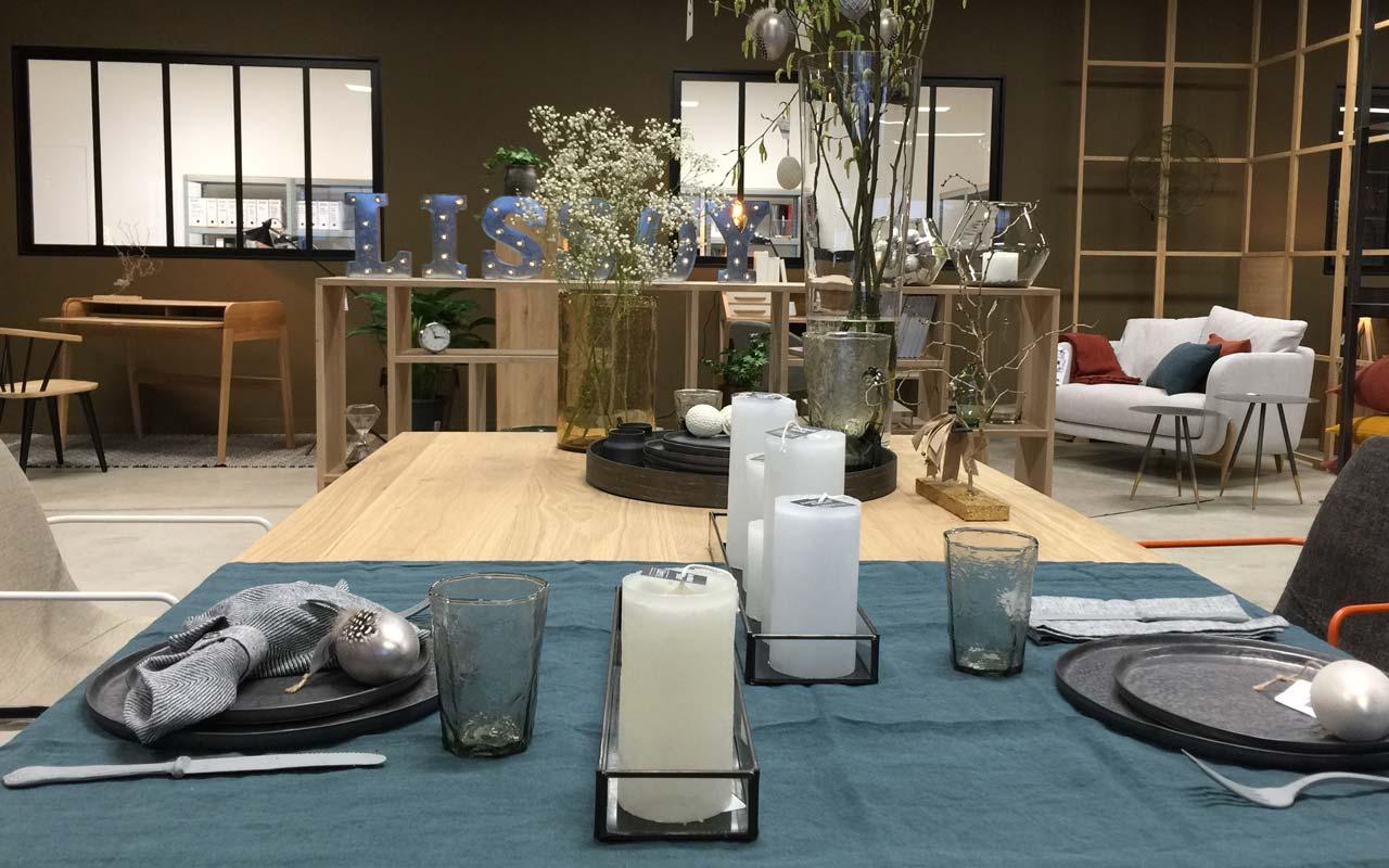 lissoy l 39 entrep t un magasin d 39 usine qui pr sente une collection de linge de maison chic. Black Bedroom Furniture Sets. Home Design Ideas