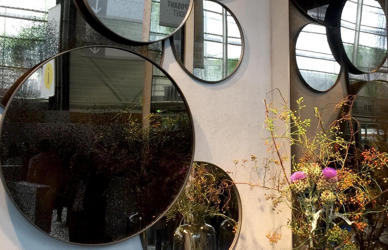 Collection de miroirs dans la collection Notre Monde